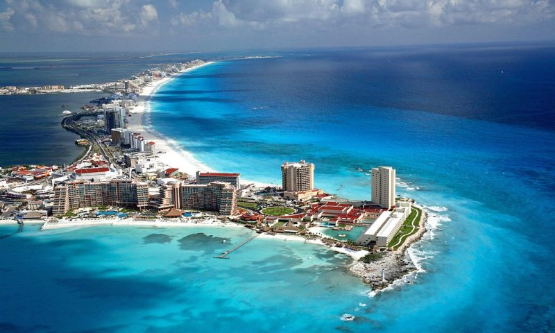 Transportation options in Cancun